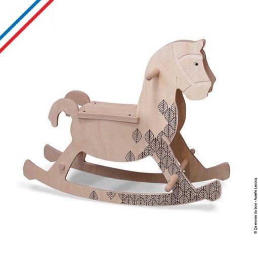cheval a bascule Theobald ca envoie du bois